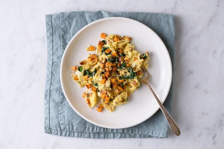 egg scramble with sweet potatoes and spinach