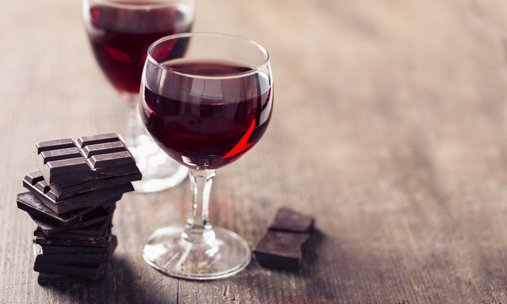 the Sirtfood Diet allows antioxidant-rich foods like dark chocolate and wine