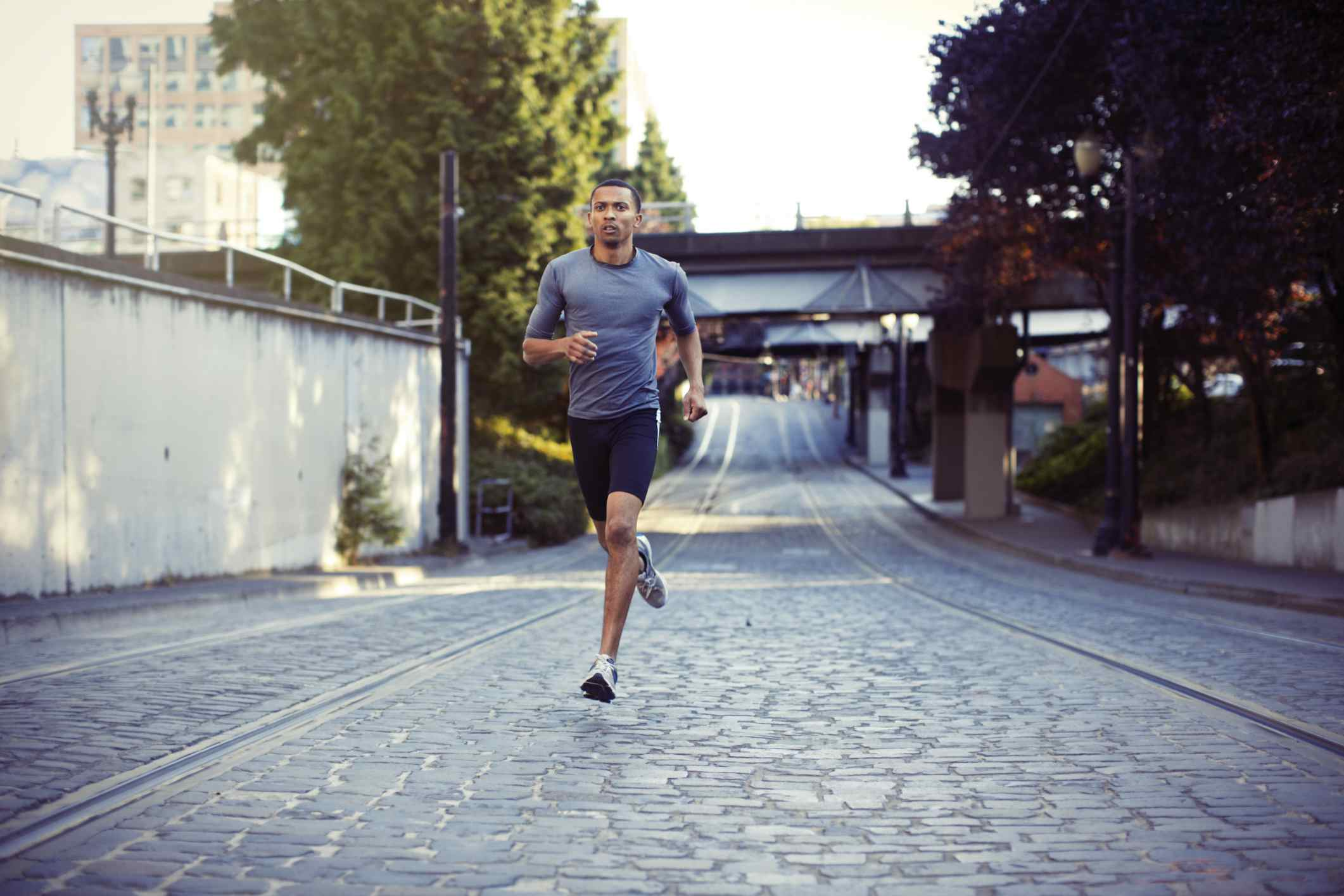 Tips For Proper Running Form The Best Ways To Run Power Outdoors Page 1 Of 2 Man In City
