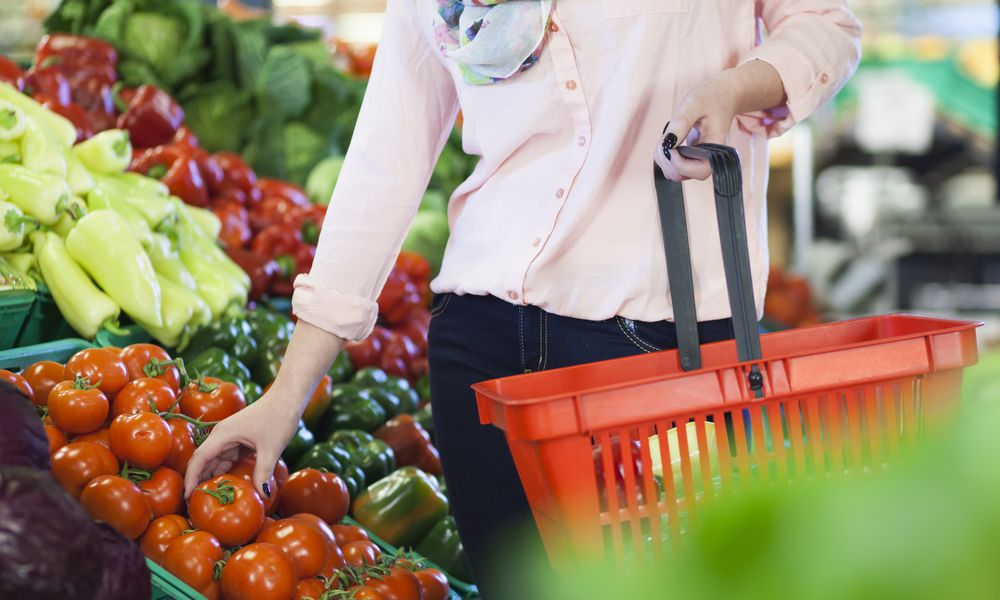 Shopping for nutritious foods