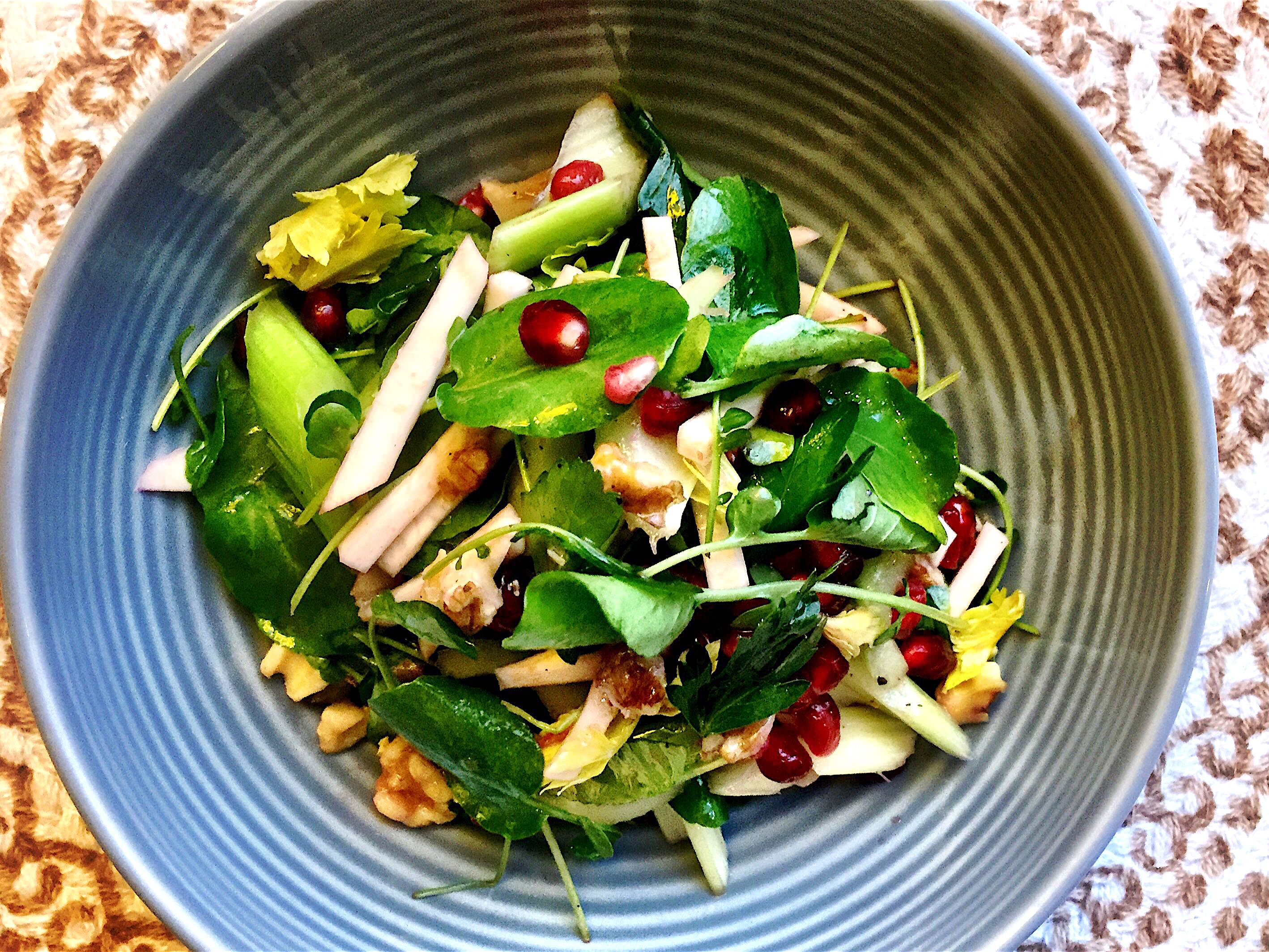 diabetes diet salad with pomegranate