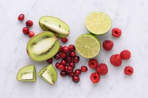 group of low in sugar fruits including kiwis, limes, cranberries, and raspberries