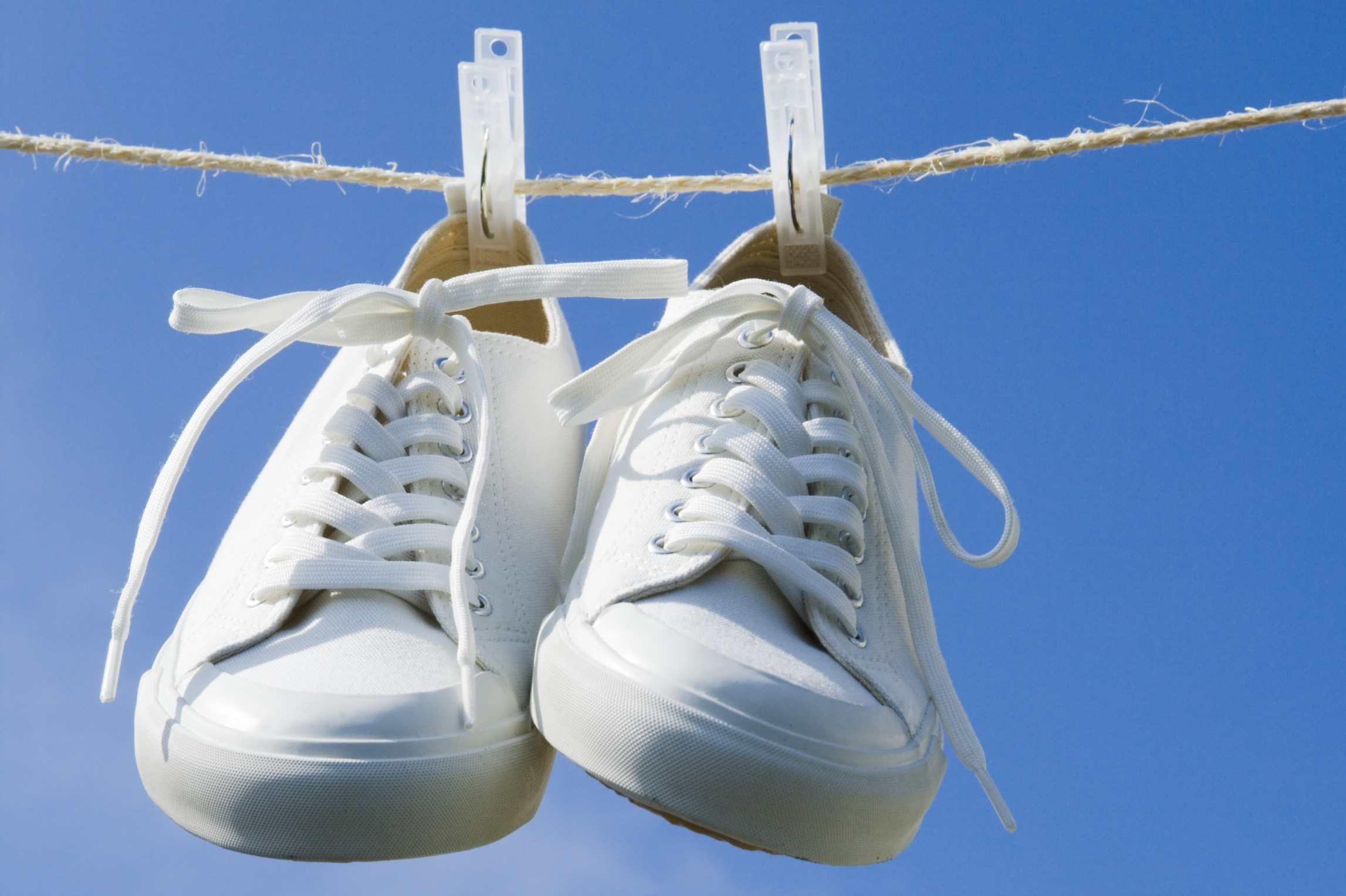 خشک کردن کفشها
