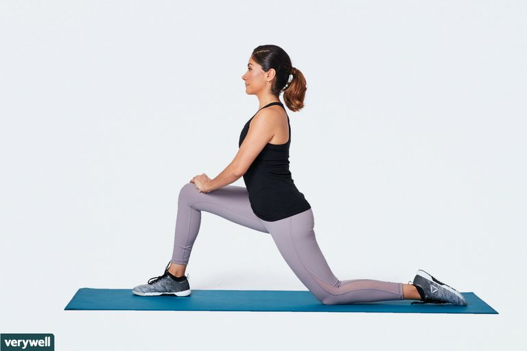 woman doing kneeling hip flexor stretch