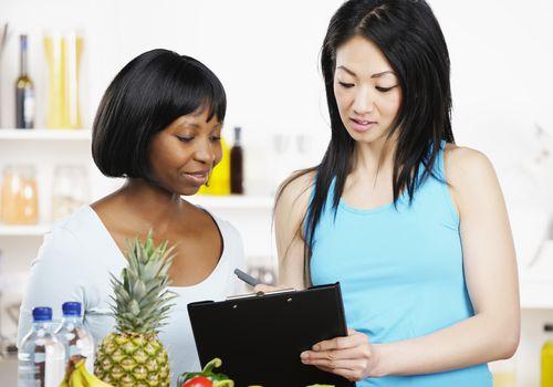 Consultor dietético con un cliente