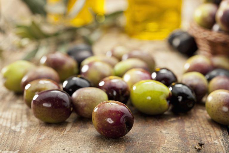 Raw Olives