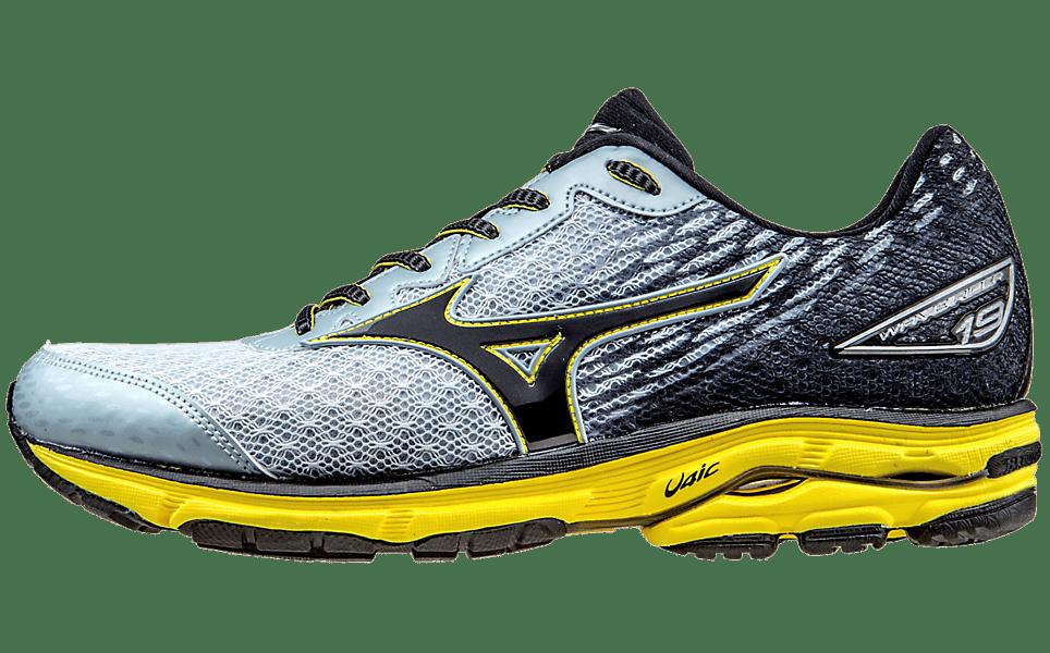 15b34c6d27ec9 The 6 Best Men s Running Shoes for Underpronators of 2019