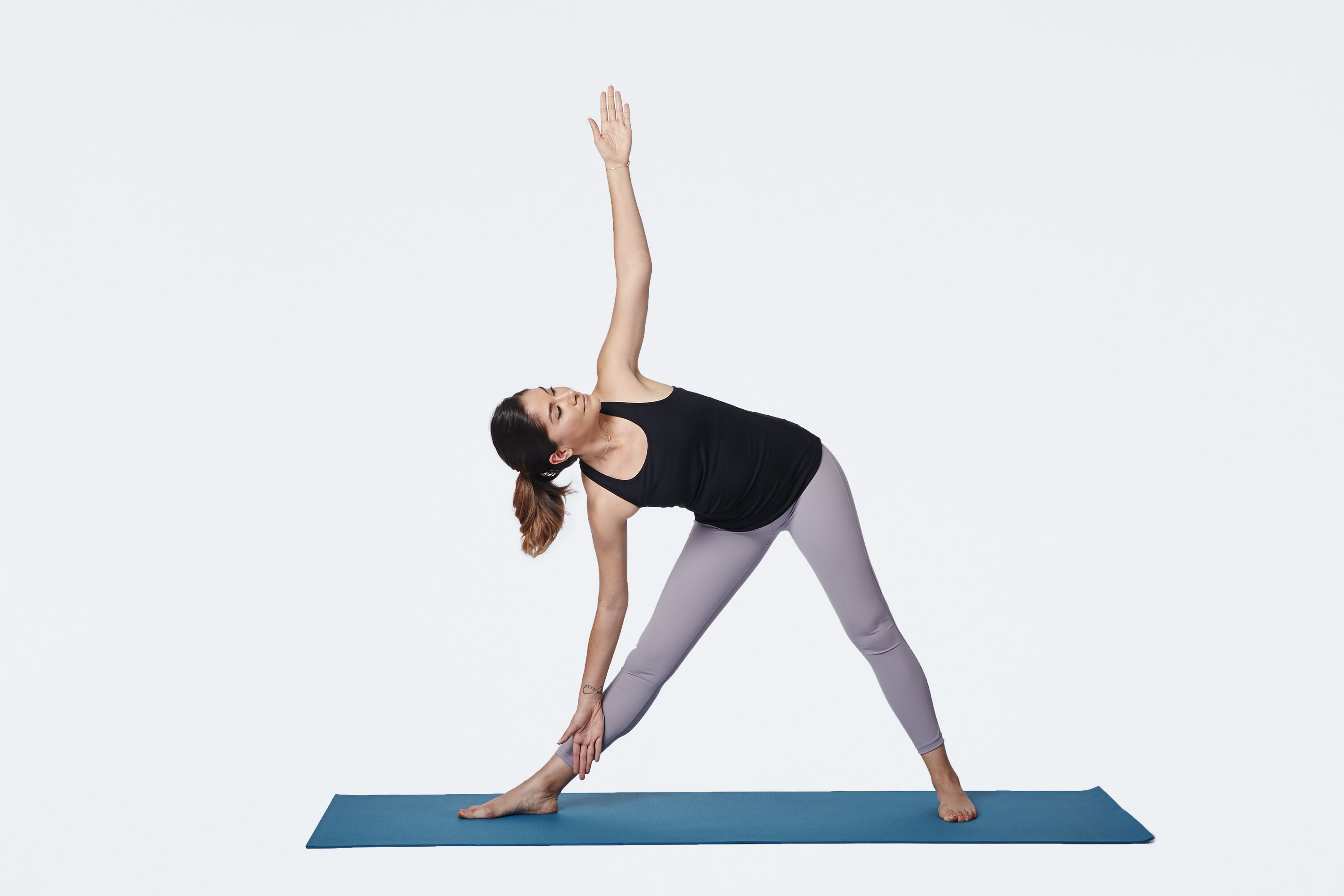 How to Do Triangle Pose (Utthita Trikonasana)