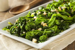 Cooked broccoli rabe with nuts