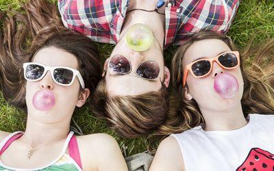 friends chewing gluten-free gum