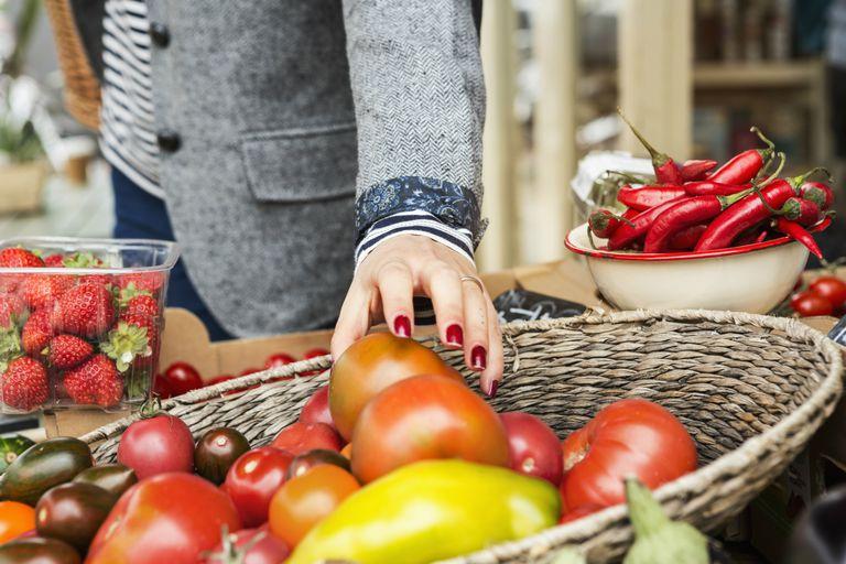 Grabbing a tomato