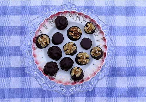 chocolate covered banana and walnut bites