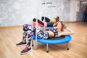 trampoline workout crunches