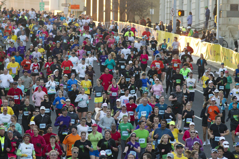 Corredores durante la maratón de Austin