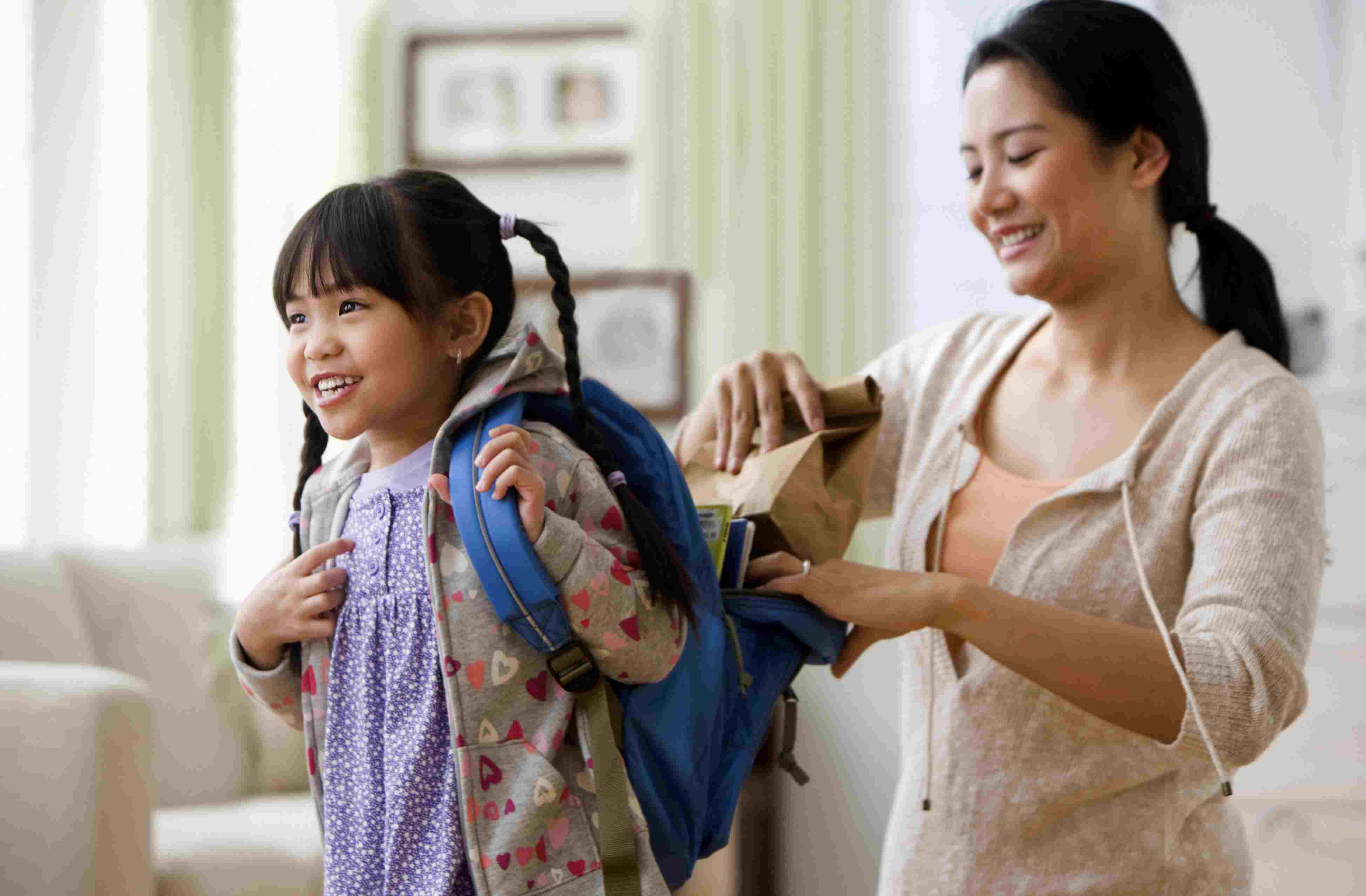 f1c1f4a51622 Right and Wrong Ways to Wear a Backpack to Prevent Pain