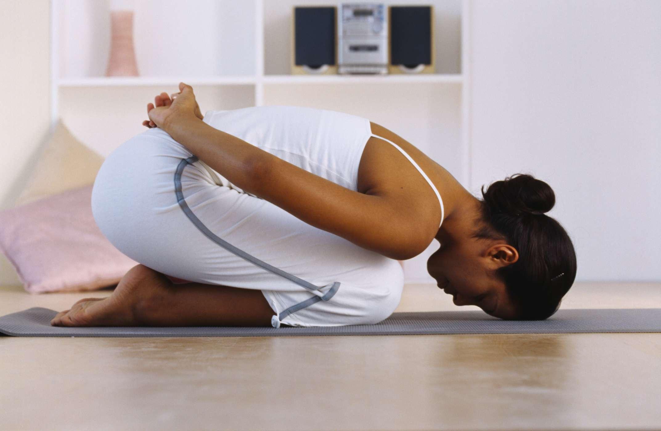 Easy Yoga Poses for IBS Symptom Relief