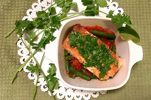 Salmon Over Green Beans