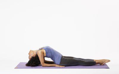 how to do locust pose salabhasana