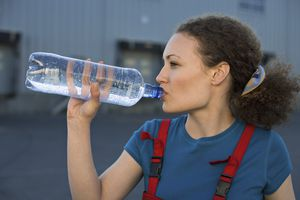 You need to dink more water when you're in hot weather.