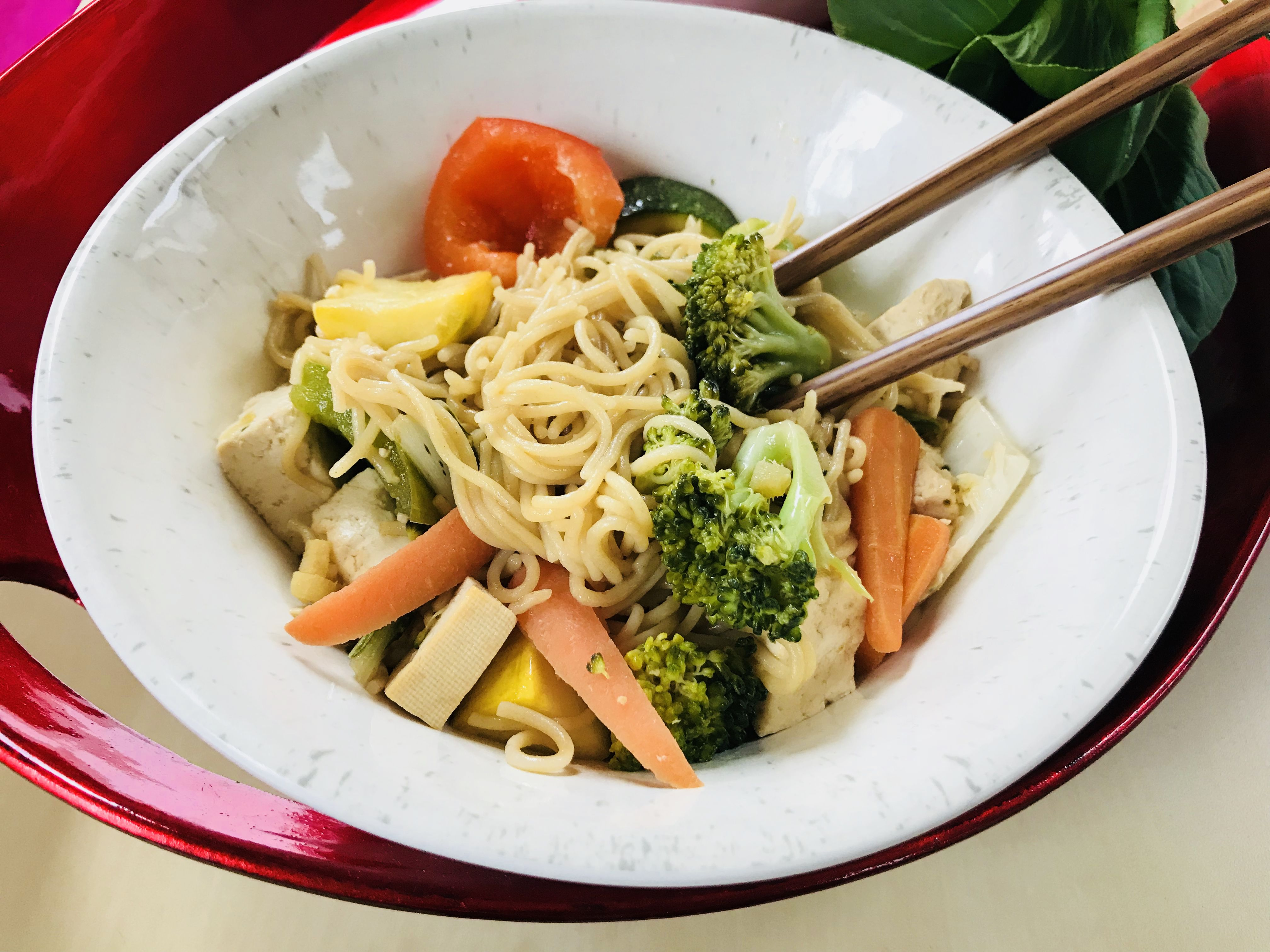 vegetariano lo mein