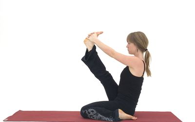 how to sit crosslegged in easy pose  sukhasana