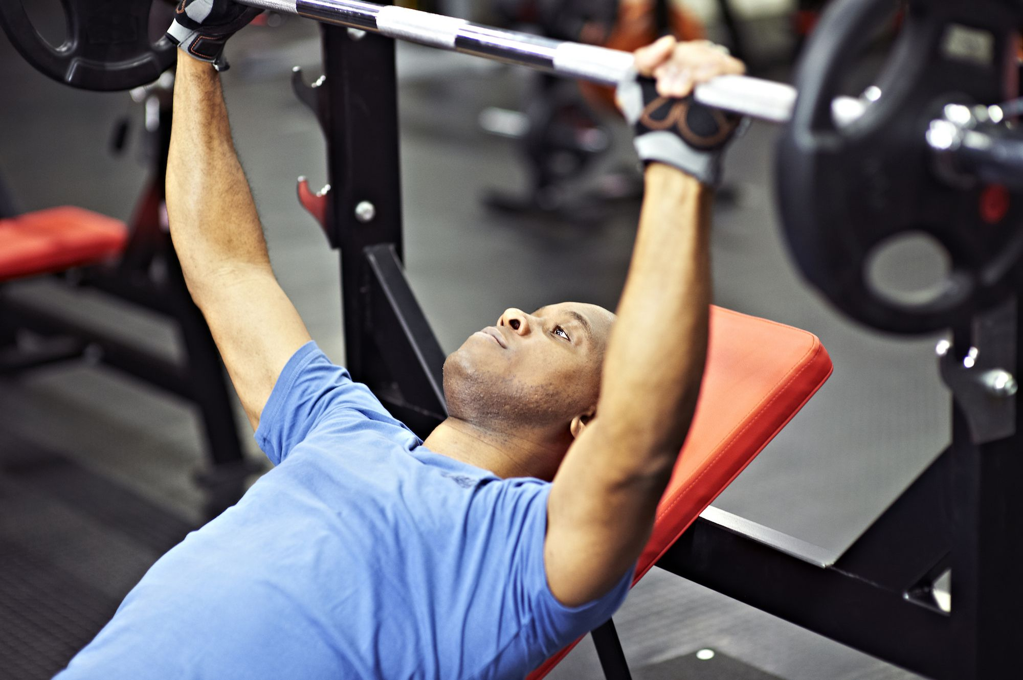 how to build strength with heavy lifting training