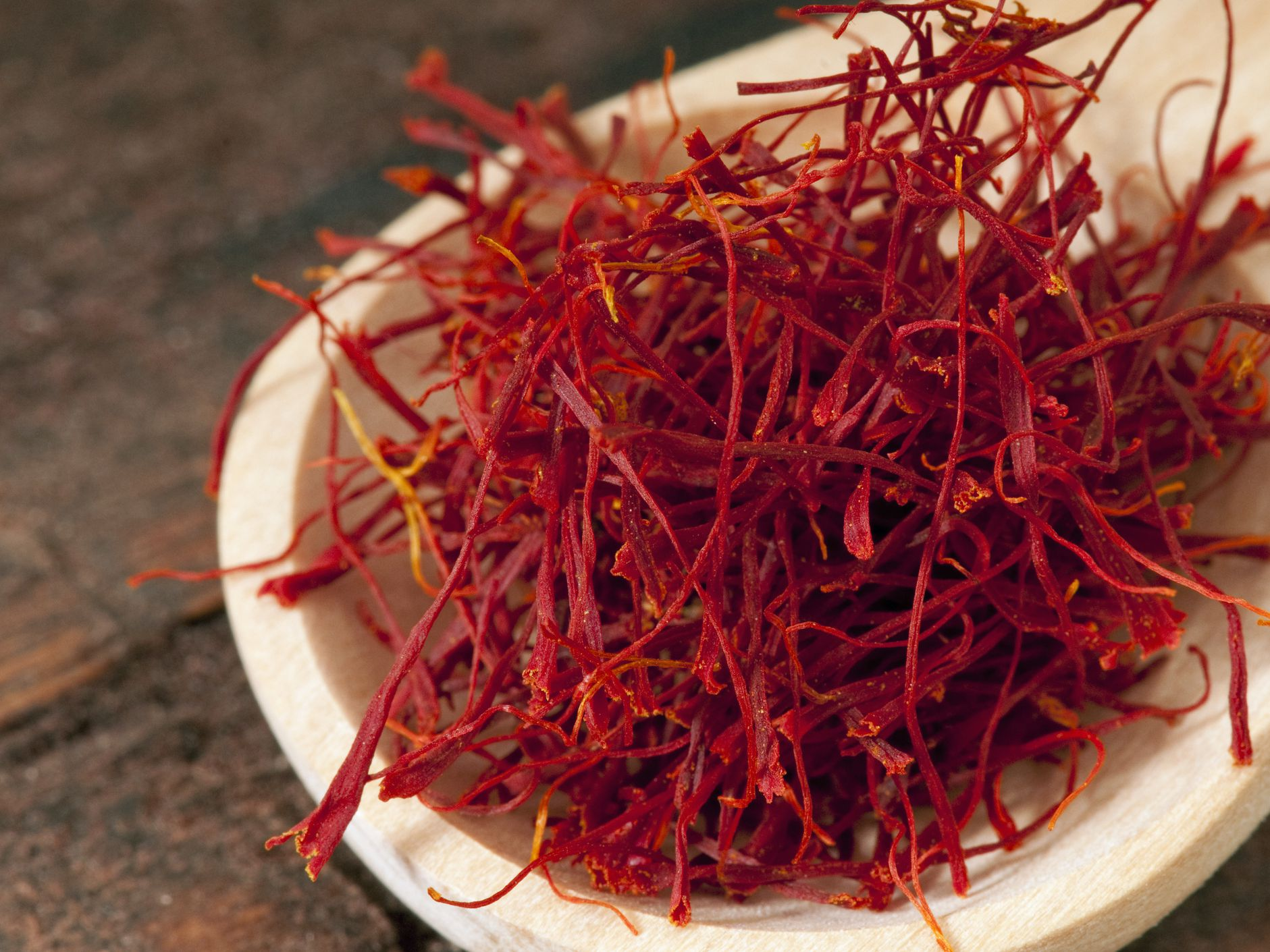 saffron: benefits, side effects, and preparations