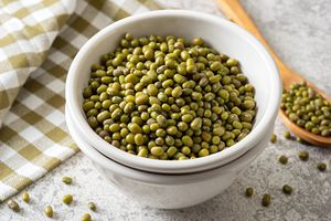 bowl of cooked mung beans