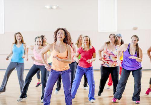 Mujeres en una clase de fitness