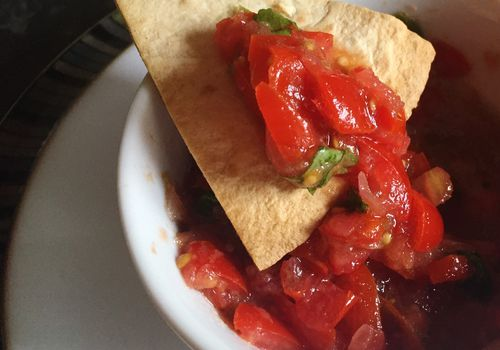 gluten-free salsa with chip