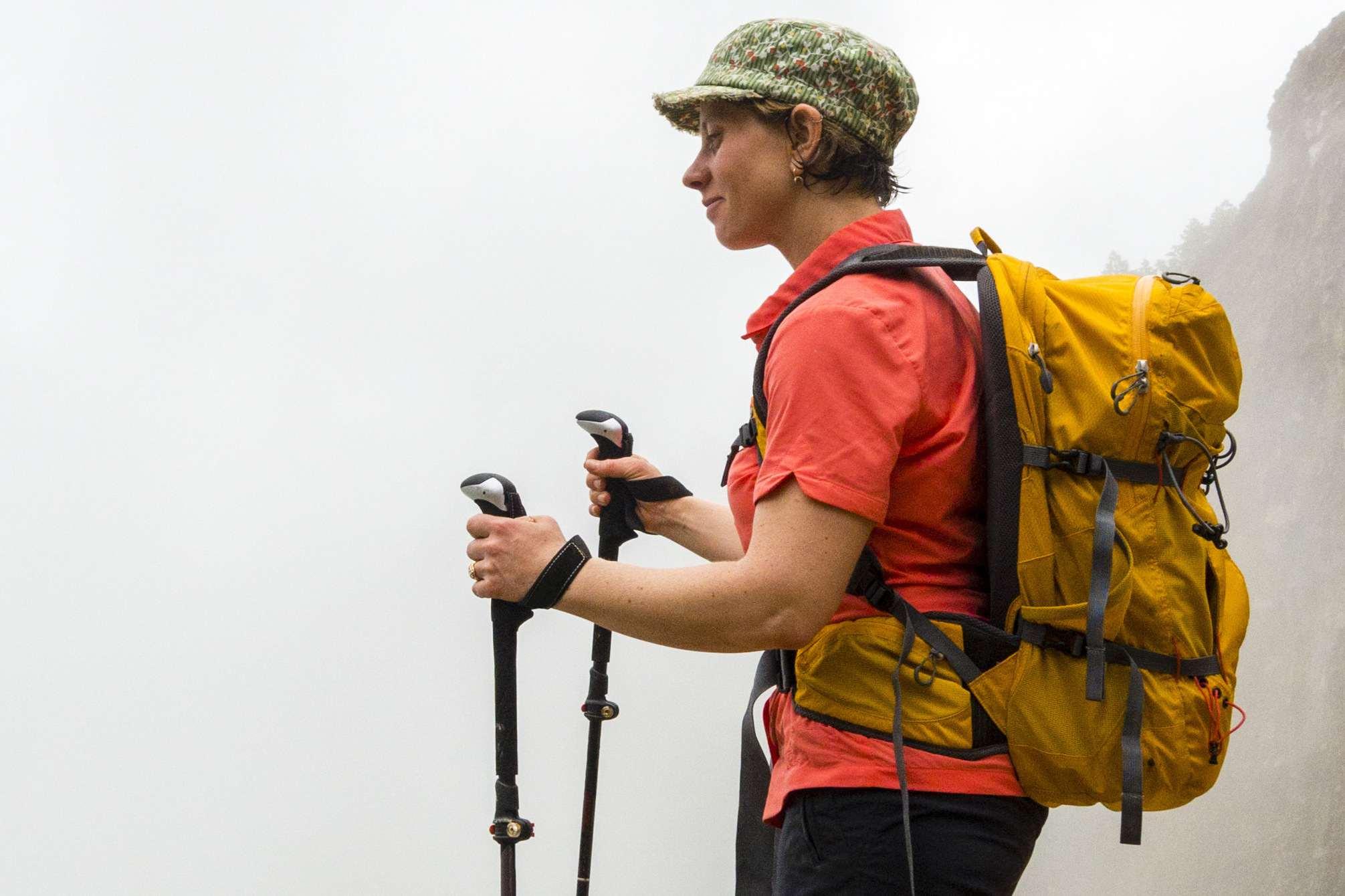 Bastones de trekking de agarre de excursionista