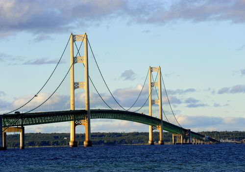 Puente Mackinac