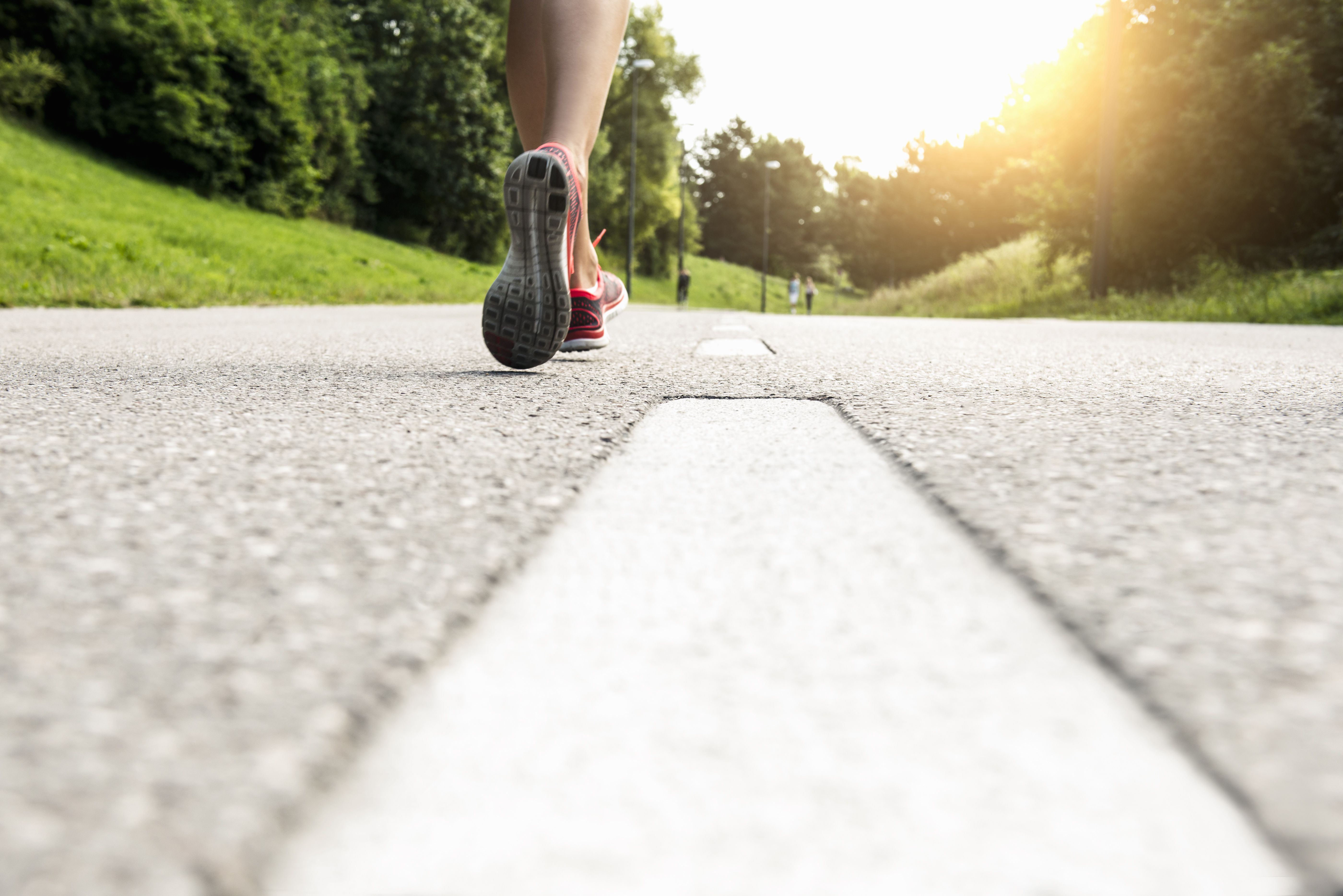how to train to run a faster mile
