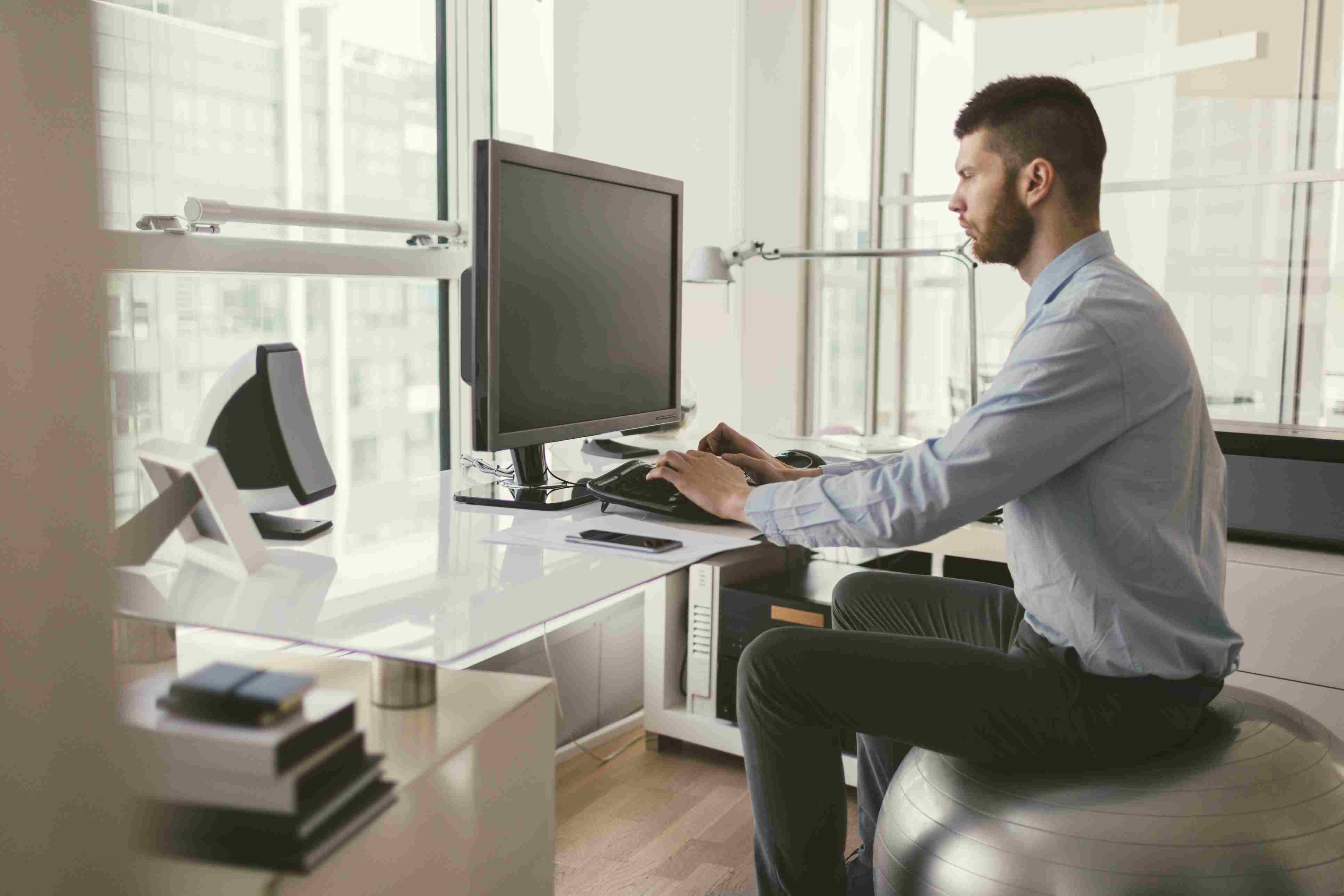 Office Workout Moves You Can Do Right at Your Desk