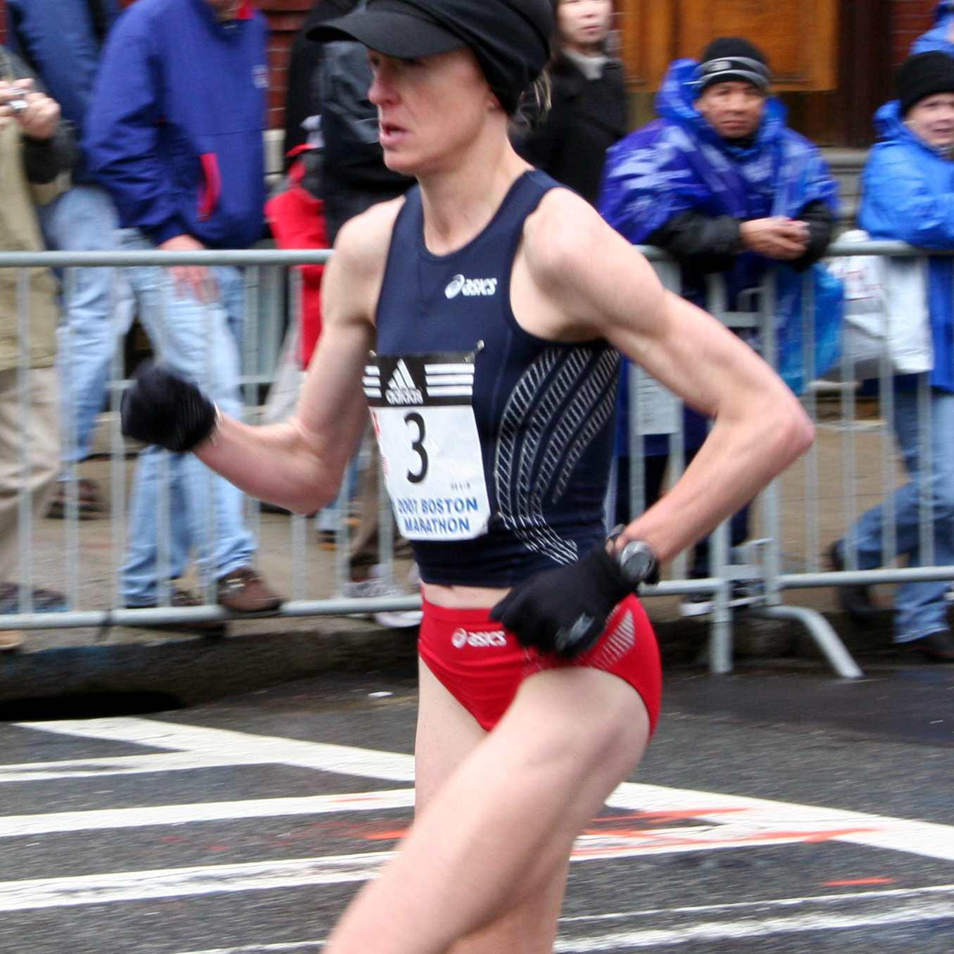Deena Kastor en el maratón de Boston 2007
