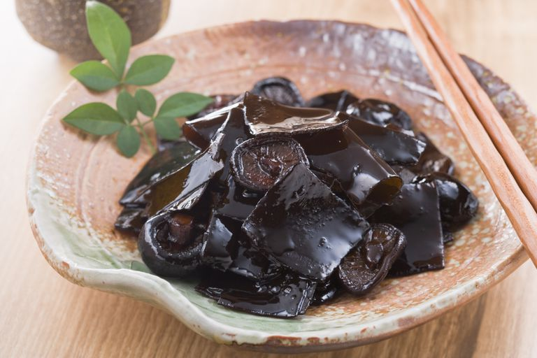 Mushroom and kelp boiled in soy sauce