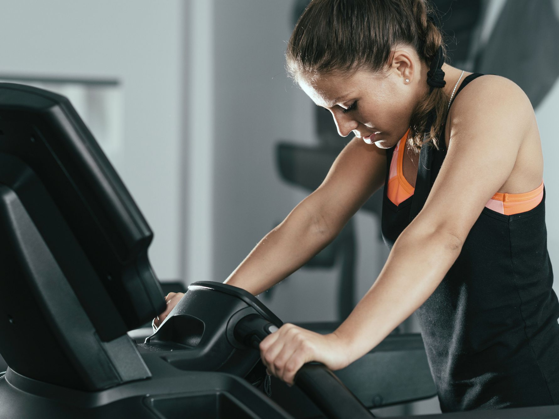 10 Treadmill Walking Mistakes To Avoid
