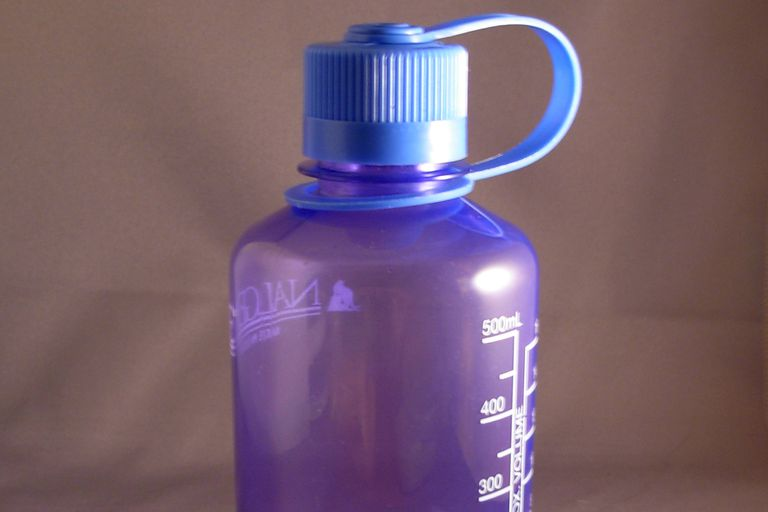 Are Lexan Polycarbonate Water Bottles Safe to Reuse?