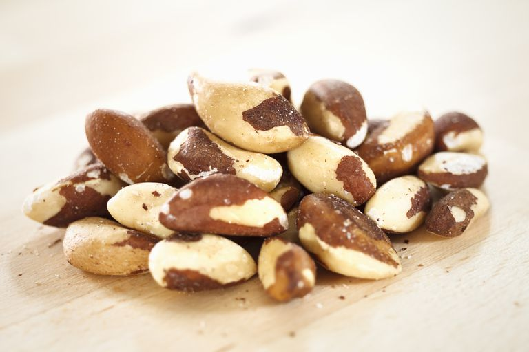 Brazil nut nutrition facts
