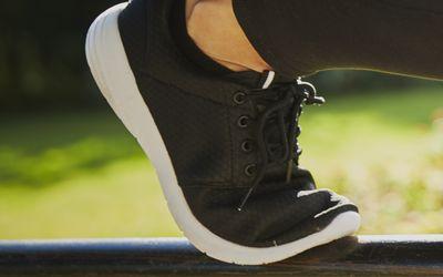 Flexible black running shoe