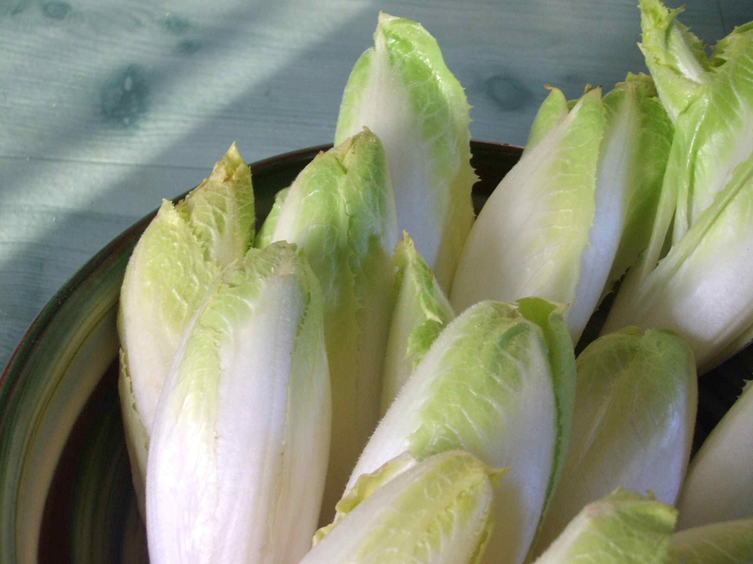 Endive is high in folate.