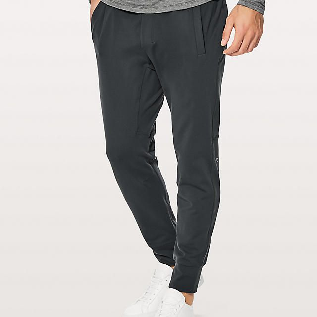 d3a0091e54ad9 The 7 Best Yoga Pants for Men of 2019