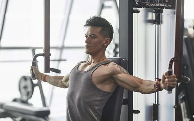 How to Use Weight Machines and Gym Equipment
