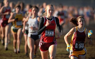 girls cross country runners