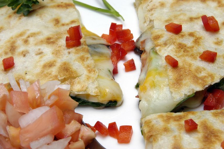 Spinachs filled Quesadilla