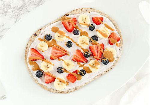fruit breakfast pizza