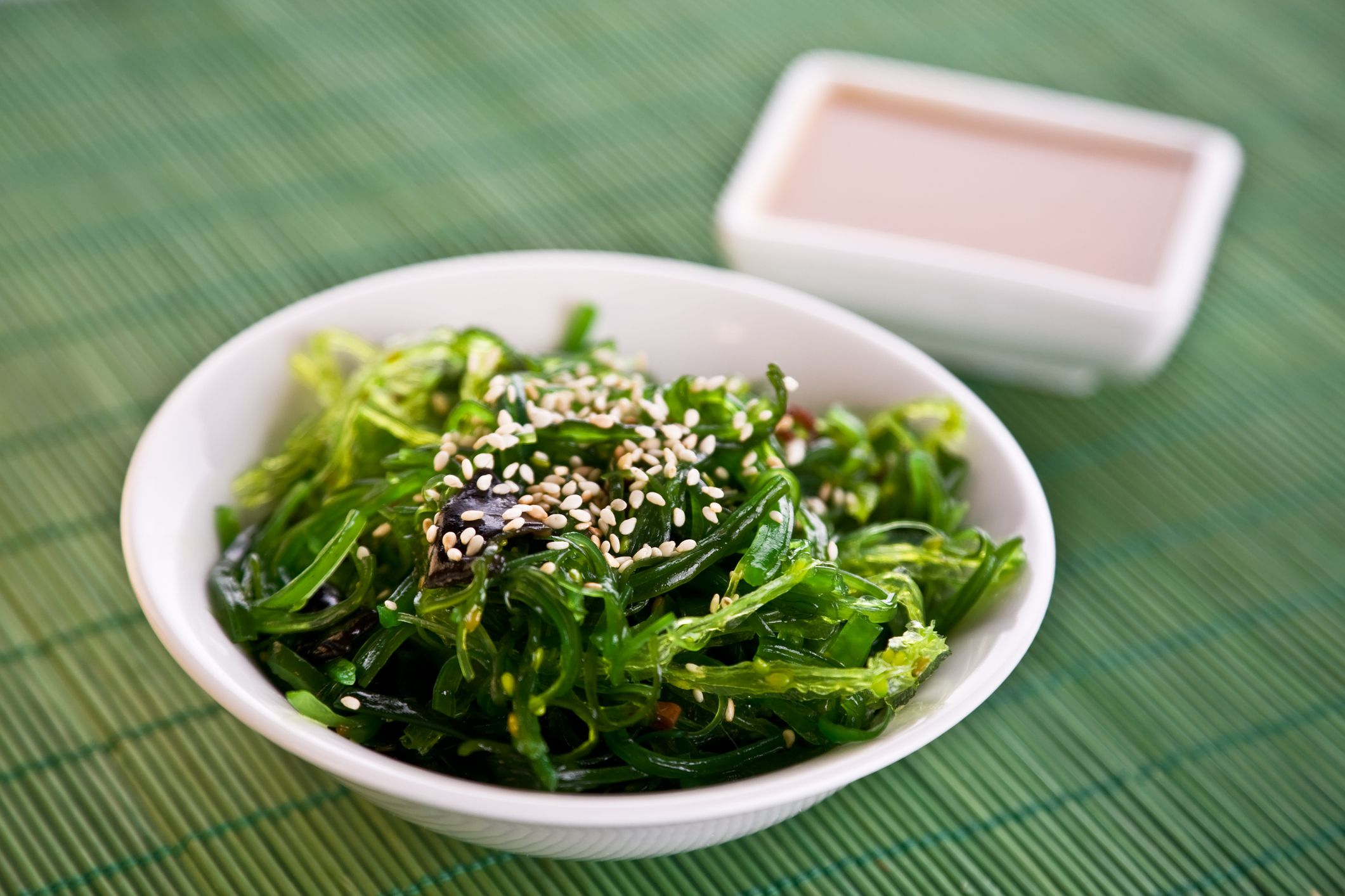 Calories, Carbs, and Health Benefits of Wakame