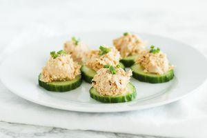 Hummus Tuna Cucumber Bites