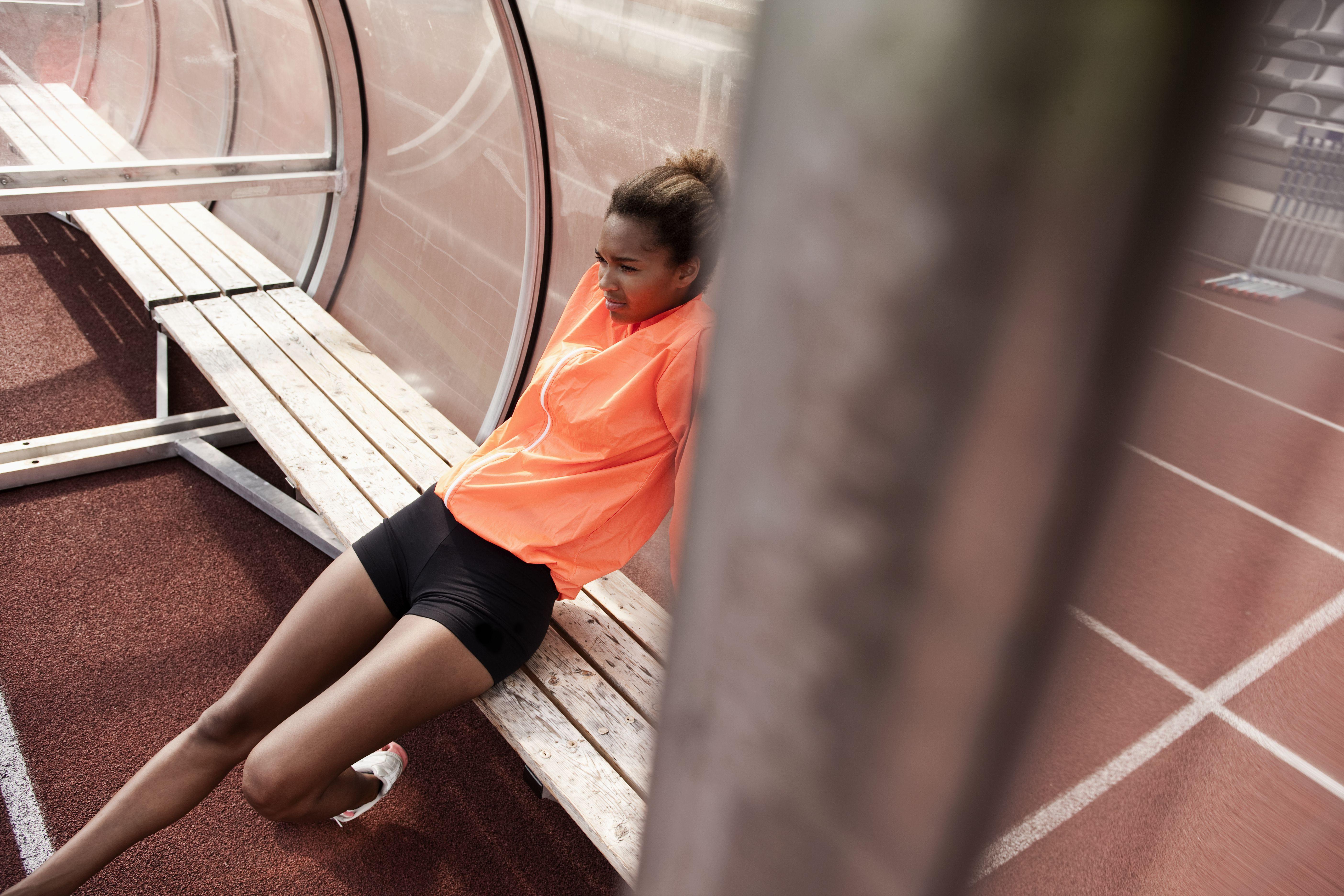 Atleta joven descansando