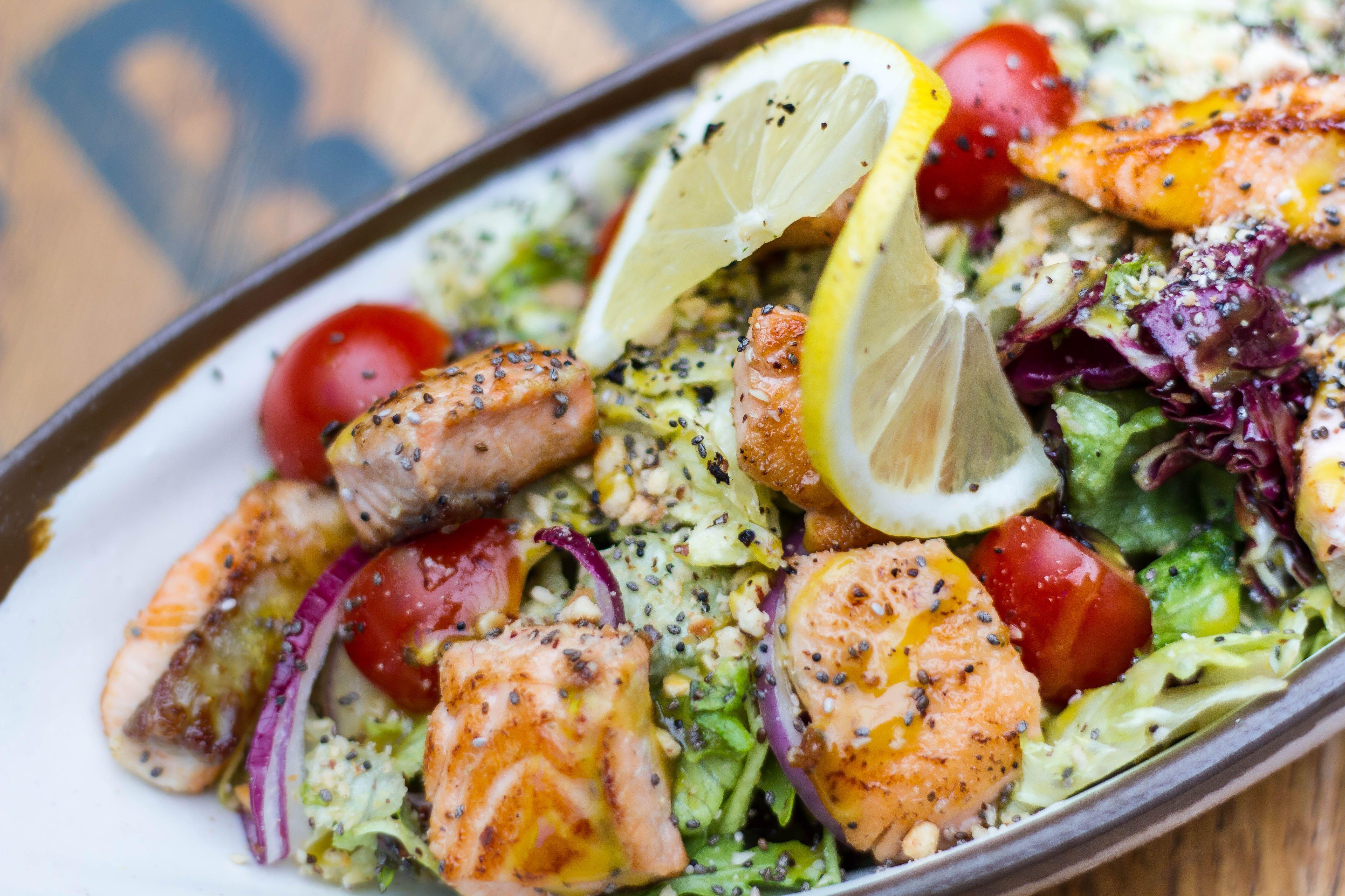 salmon-healthy-fats-fish